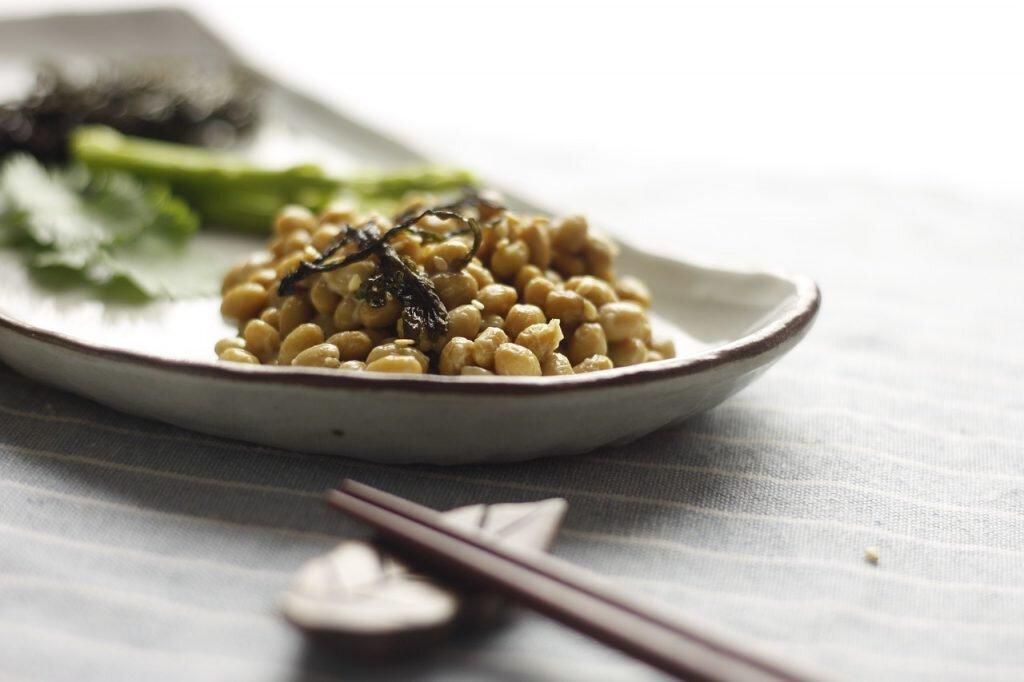 Natto in der Schale