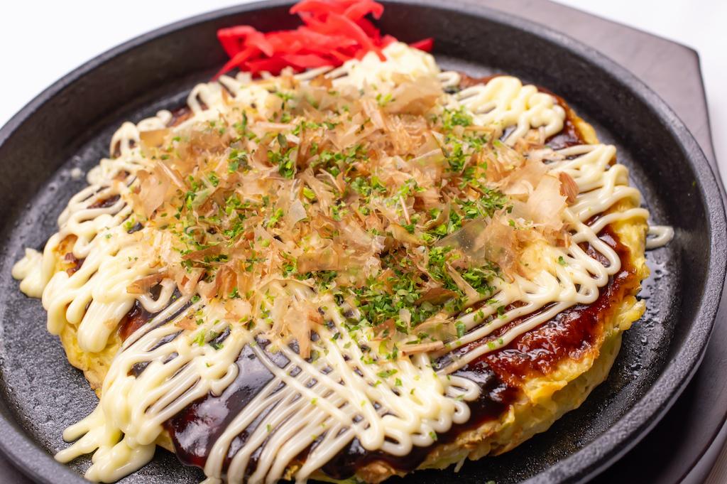 Okonomiyaki mit Katsuobushi