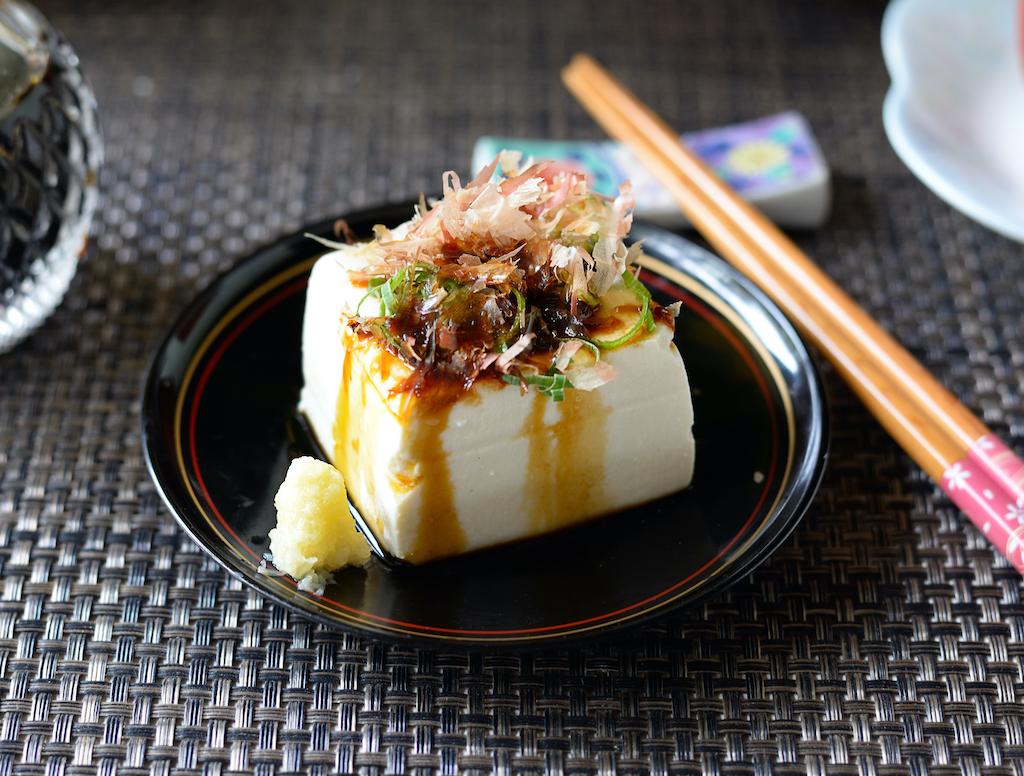 Tofu mit Katsuobushi